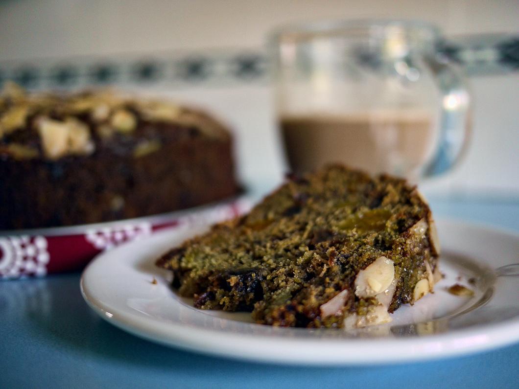vegan spacecake recept - cake bij de koffie